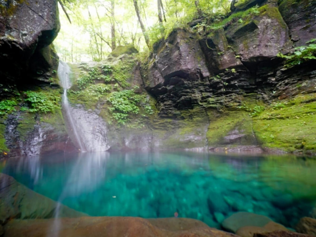おしらじの滝夏画像