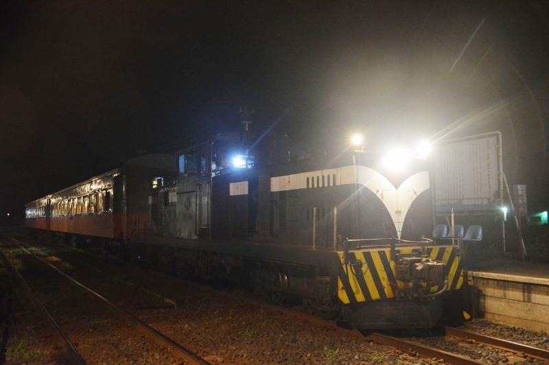 ストーブ列車_夜間運行