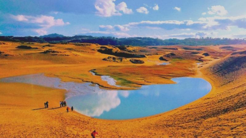 鳥取砂丘_美しい湖画像