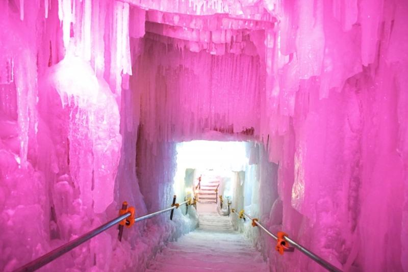 層雲峡氷のトンネル画像