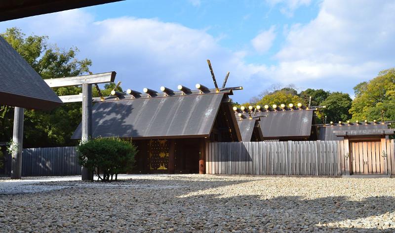熱田神宮社殿画像