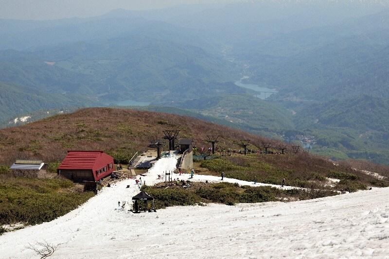 月山スキー場_春夏スキー