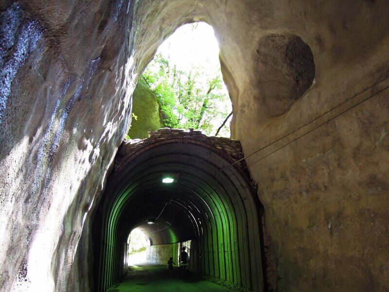 小湊鉄道_向山トンネル(養老渓谷)_light