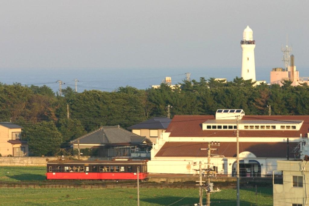 灯台と銚子電鉄画像