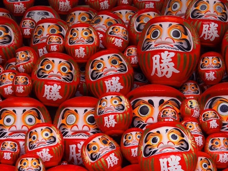 勝尾寺の勝ちダルマ画像