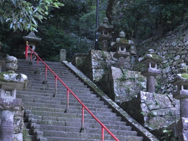 瀧安寺石段画像