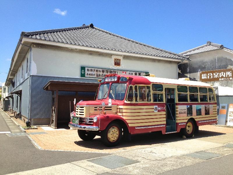 昭和の町_ボンネットバス_002