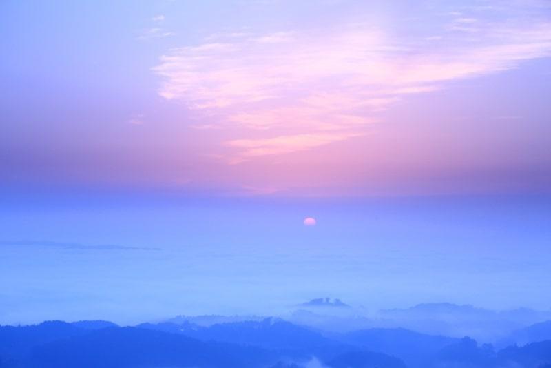弥高山雲海