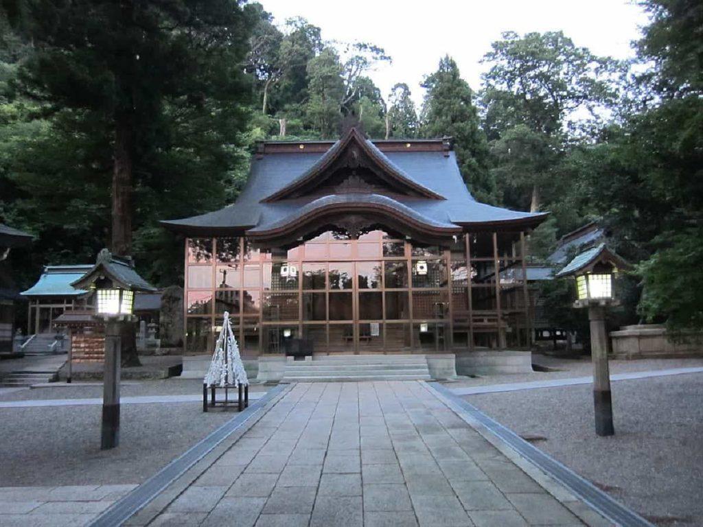 金劔宮拝殿-cover