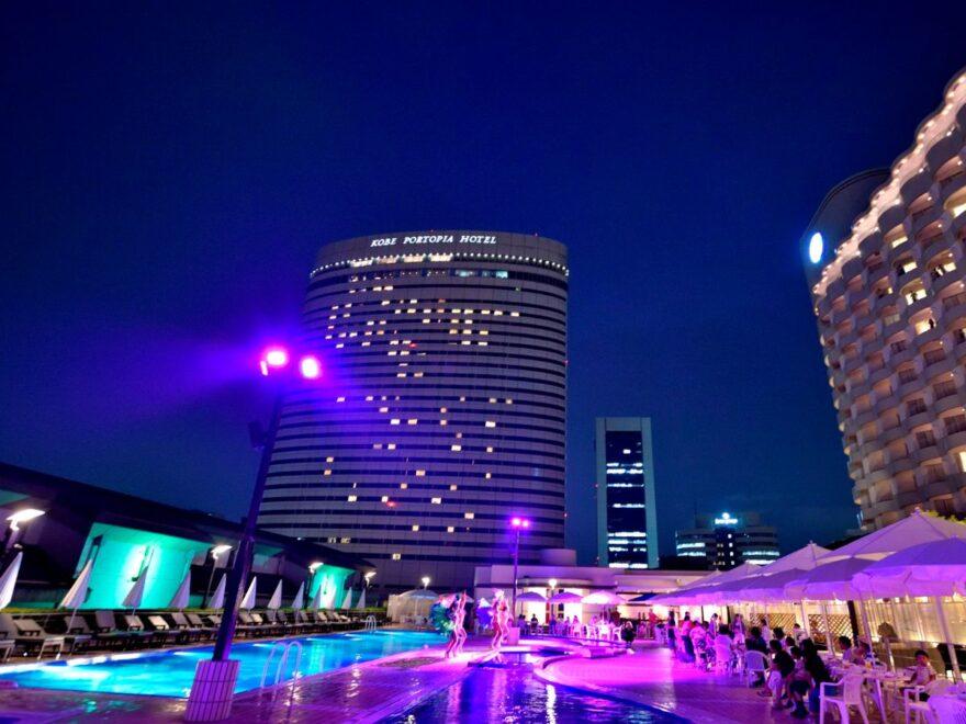 神戸ポートピアホテル_ナイトプール