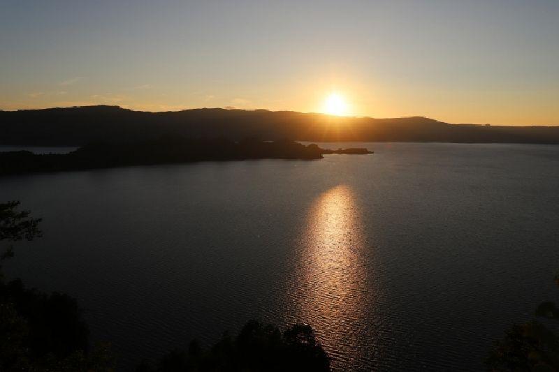 十和田湖-夕暮れ